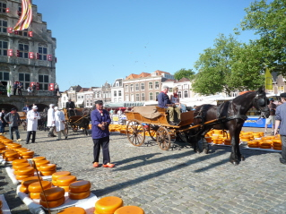 Gouda - cheese market