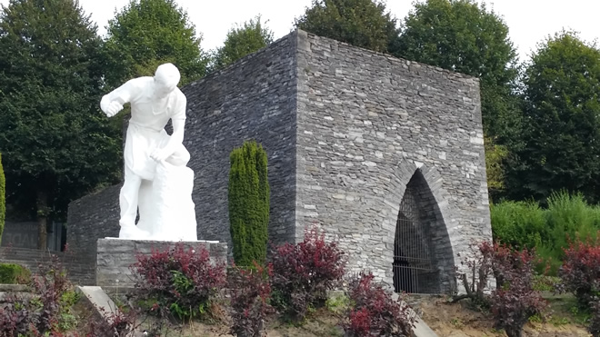 Homage to the quarrymen and stonemasons at Antoing